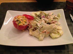 Raw coleslaw & fyllda tomater